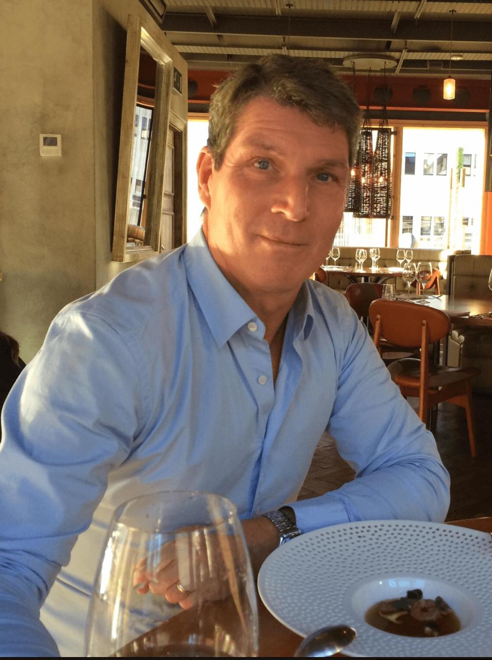 consigliere tastes wine for delitalia
