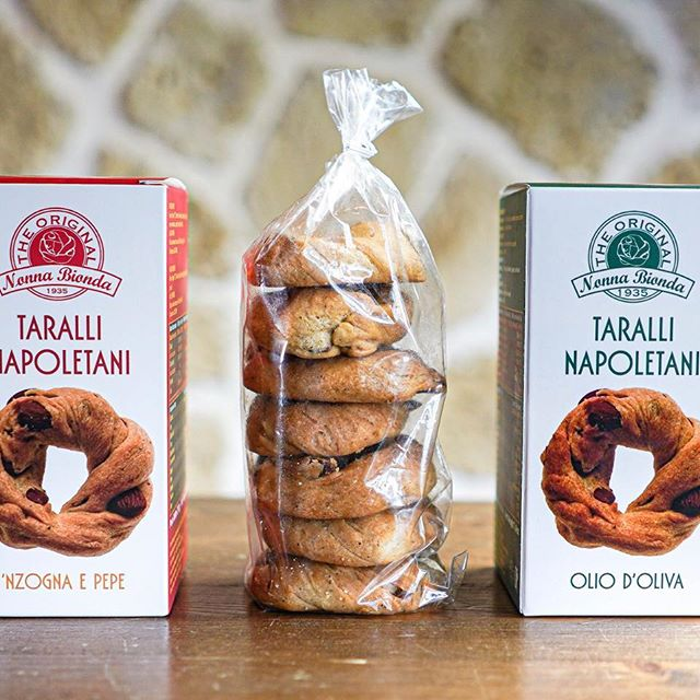 I discovered that Napoli has its own Taralli biscuit.